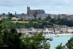 Cancale, a historic tourist resort and oyster producer.